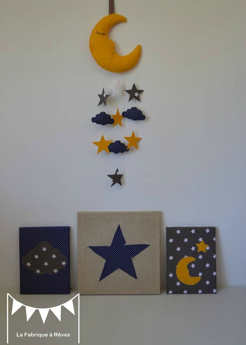 décoration chambre bébé lune étoiles nuages jaune bleu marine taupe ...