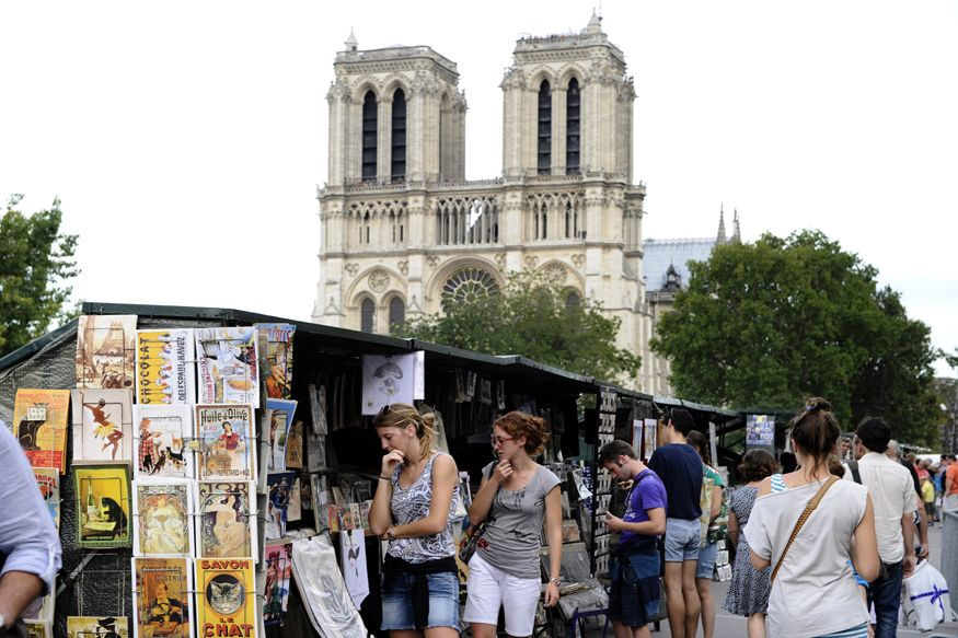 Paris Open-Air Booksellers Push For UNESCO 'Intangible ...