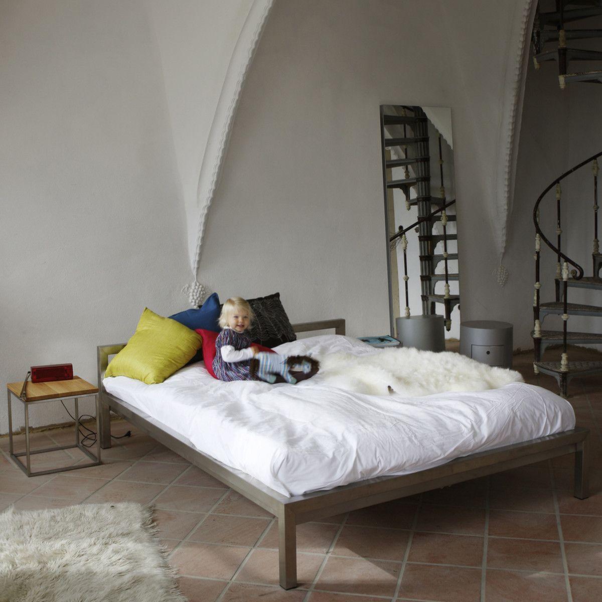 Bett ohne Kopfteil: So wird das Schlafzimmer größer | Möbel Deko ...