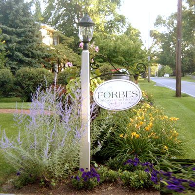 Love This Lamp Post Driveway Entrance Landscaping Garden Lamp Post Mailbox Landscaping