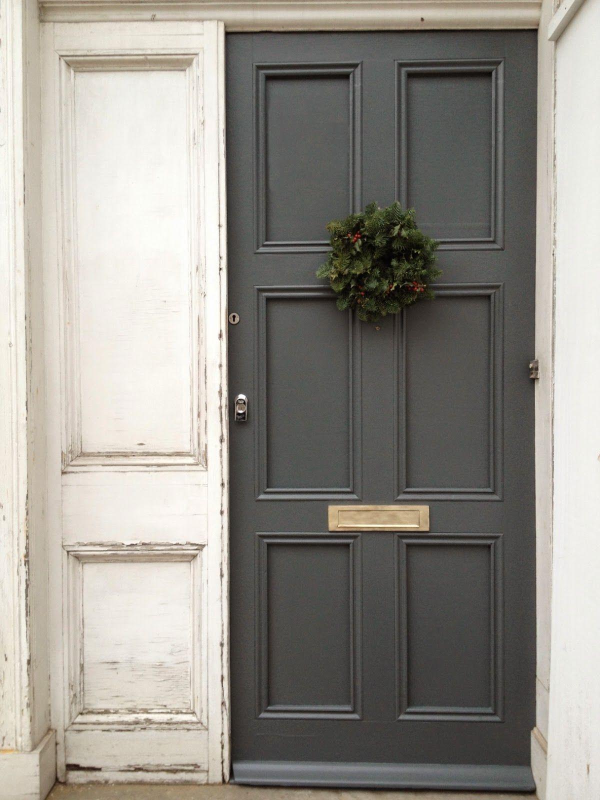 WHITE + GOLD Door color ,down pipe. | Front garden | Pinterest ...