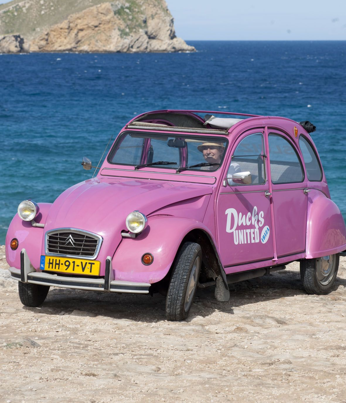 In Een Eend Mallorca, Ibiza Of Curacao Rondrijden