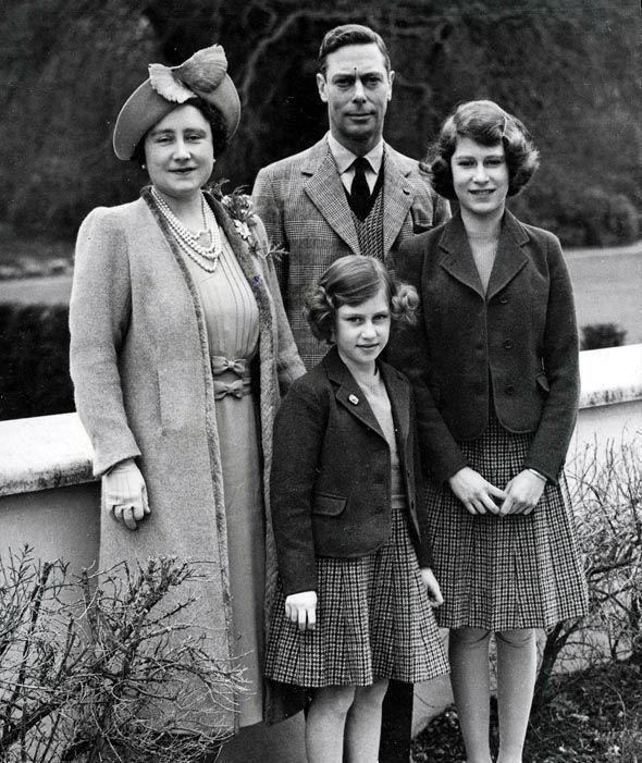 The Queen During World War Ii In 2019 Home Queen border=