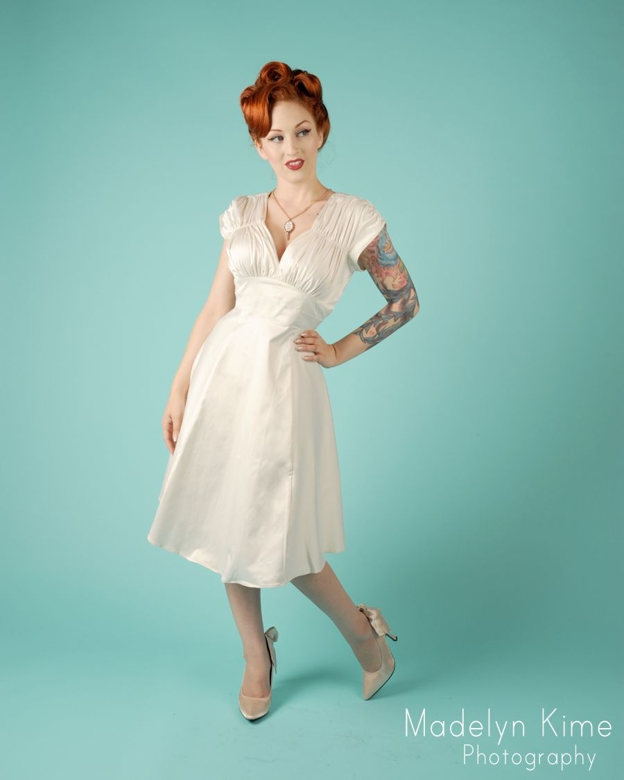 1940s Dress in Bridal Antique White - The short sleeved 1940\'s Dress ...