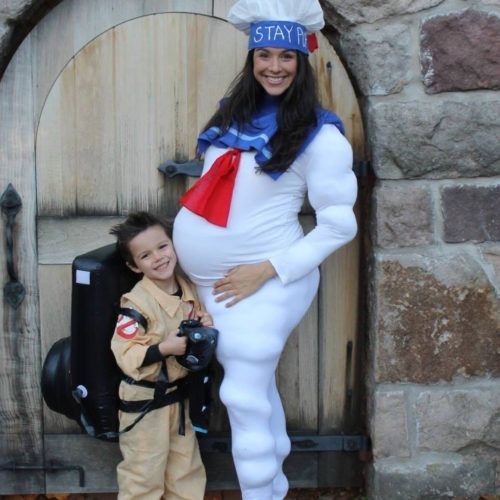 26 awesome pregnant halloween costumes - Pregnant Halloween Couples Costumes