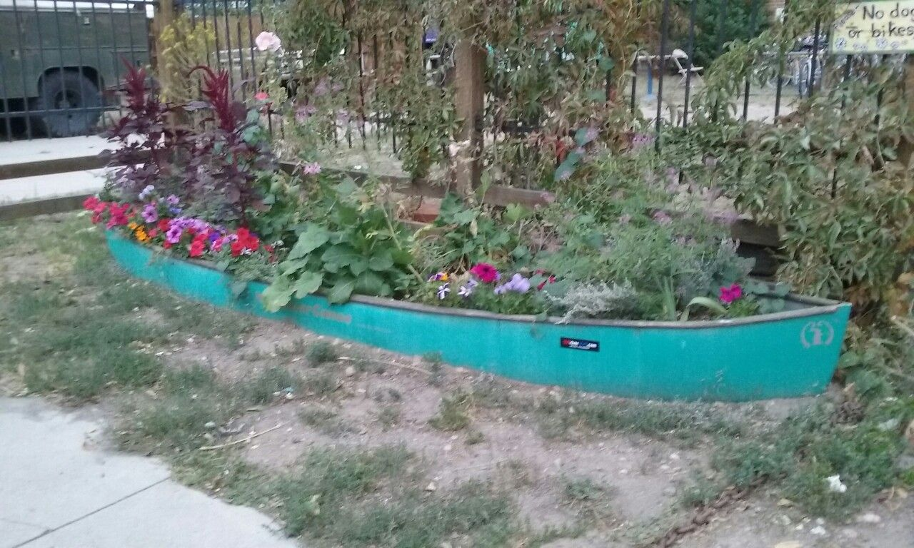 Love The Canoe Planter Garden Makeover Veggie Garden Perfect