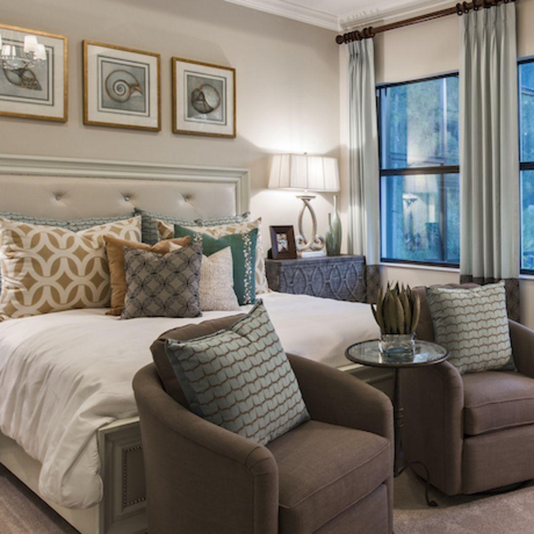 Doesn T This Cozy Master Bedroom In The Exclusive Islamorada Floor