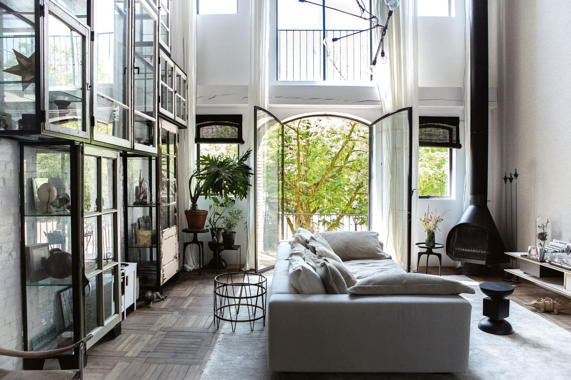 Home Tour Modern Vintage Charmer In Amsterdam Apartment 34 Best Interior Design Blogs Best Interior Design Interior Design Blog