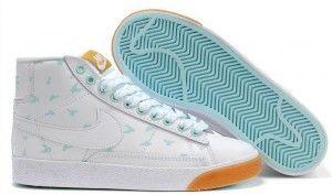 sale retailer ba5d3 17087 original Chaussures Nike Blazer High Vintage Suede Femme blanc bleu clair  soldes