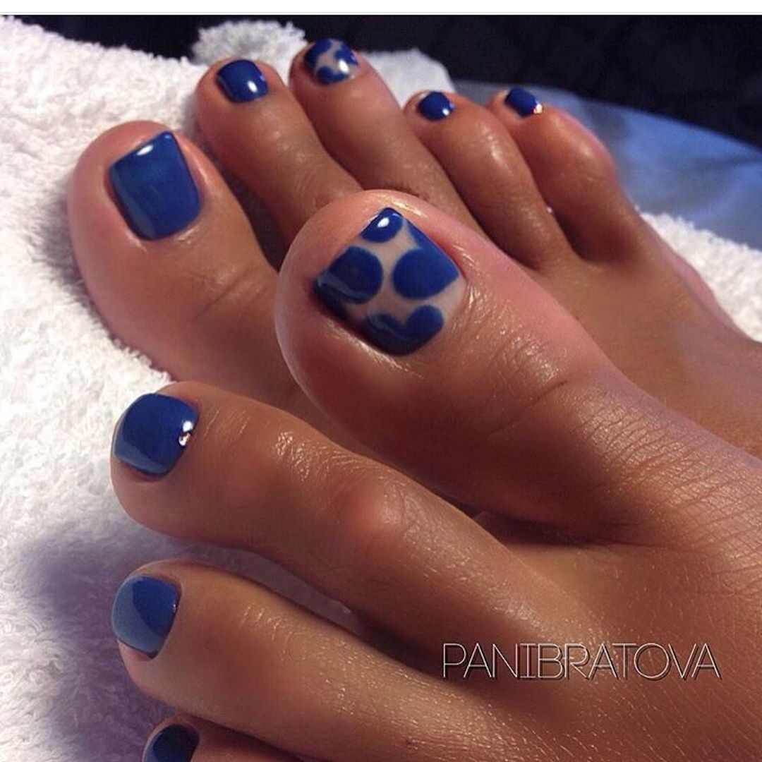 Royal blue pedicure design ideas for your toenail  Blue toe nails