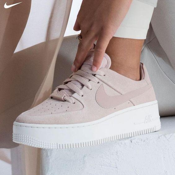 Shoes   Schoenen   Sneakers   Nike   Pink shoes   Beige shoes   Roze sneakers   …