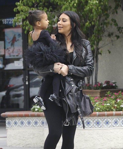 Kim Kardashian Photos - Kim and Kourtney Kardashian Take Their Daughters to Dance Class - Zimbio