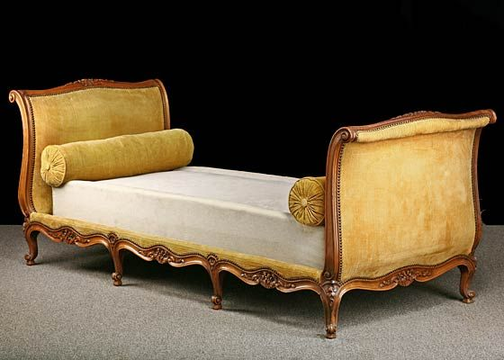 Louis Xv Style French Antique Walnut Daybed Origin France Circa 1890 Antique French Furniture French Antiques Furniture