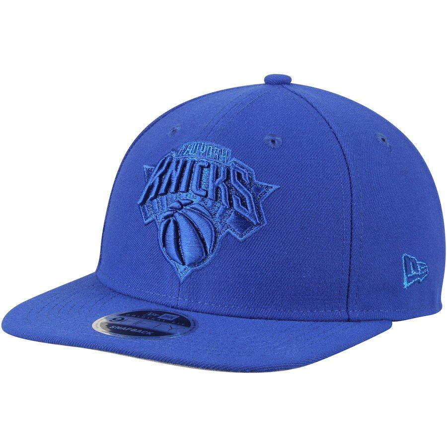 cbaea27251b Men s New York Knicks New Era Blue Metallic Mark 9FIFTY Original Fit  Snapback Adjustable Hat