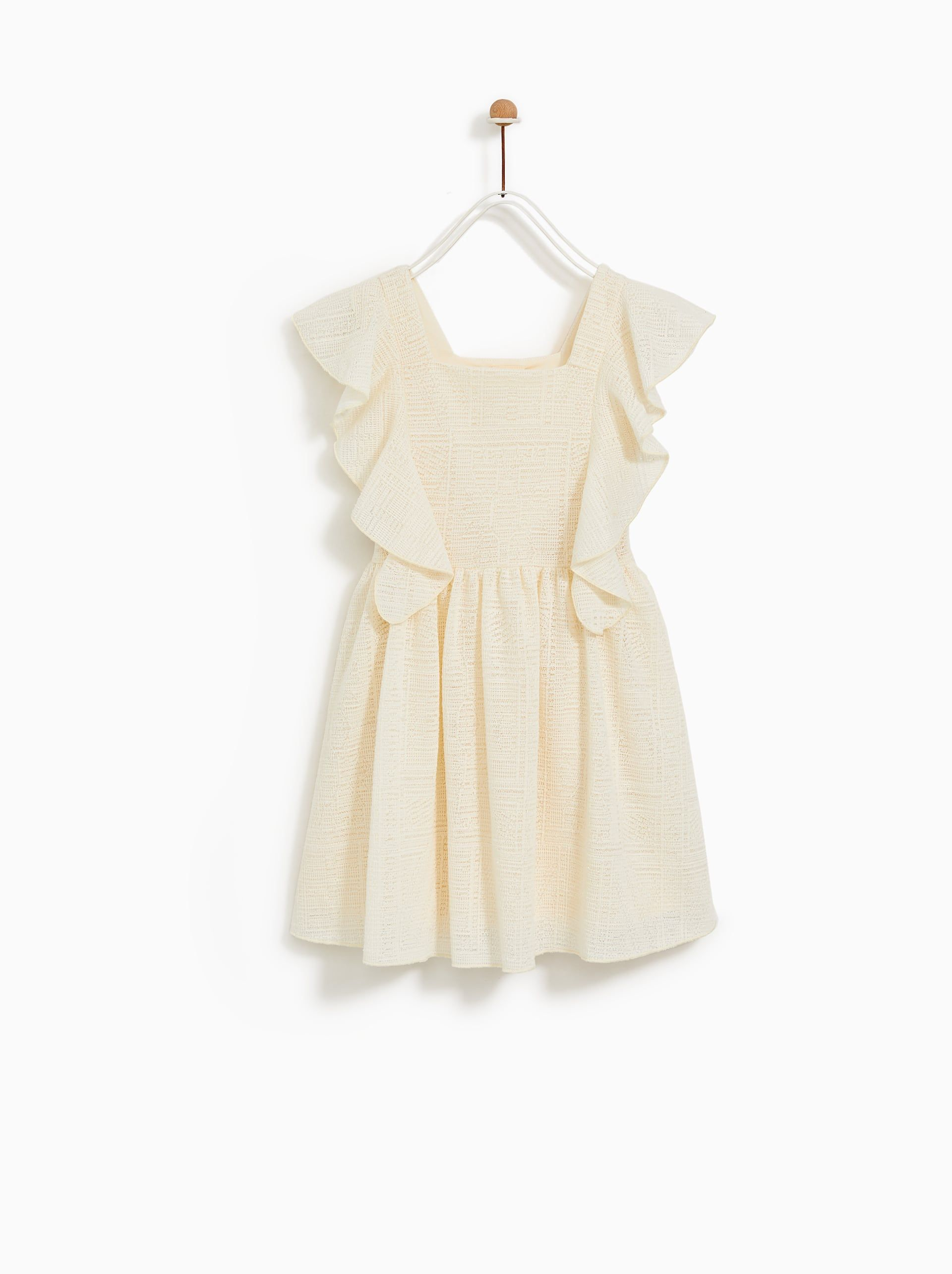 dc32ca21 VESTIDO VOLANTE | What To Wear For Your Photos with CJP | Ruffle ...