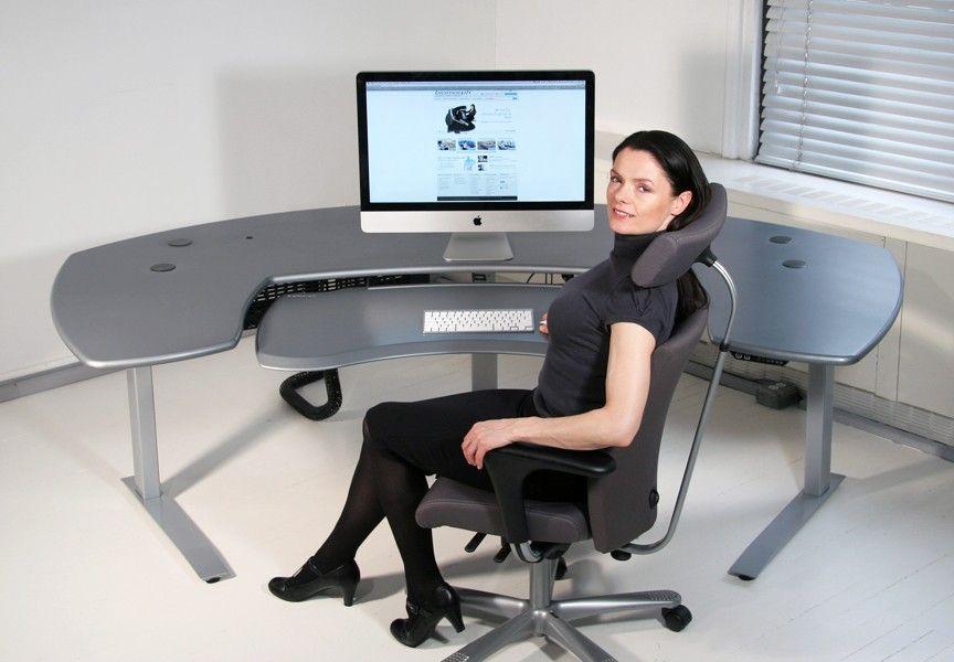Maxo oversized ergonomic desk with crank or motorized
