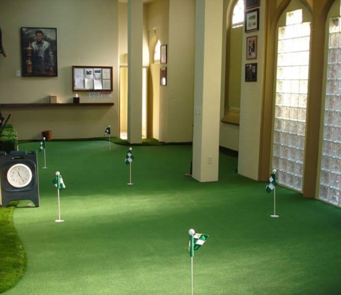 28 Outdoor & Indoor Putting Greens & Mats (Designs & Ideas ...