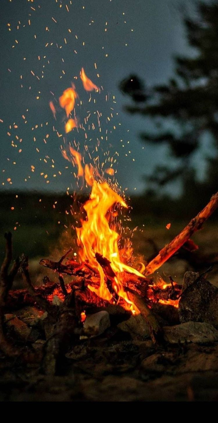Wallpaper Ates In 2020 Camping Wallpaper Fire Photography Nature Wallpaper