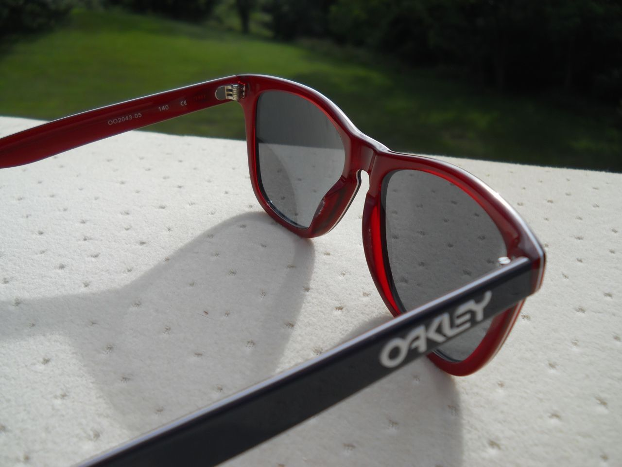 red white and blue oakley sunglasses  Looking for more #Frogskins? We have them! #Oakley #LX #Frogskin ...