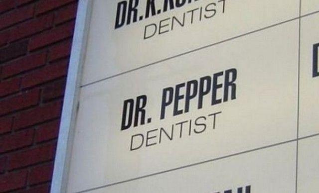 Vem sa att läsk var dåligt för tänderna? by skyltat.se, via Flickr