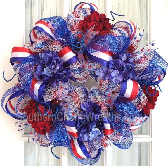 patriotic deco mesh hydrangea wreath by Southern Charm Wreaths #decomesh #wreaths