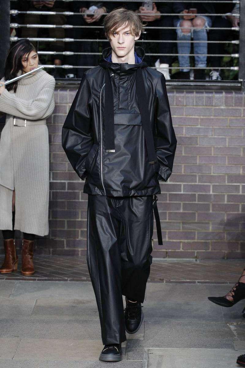 Maison Mihara Yasuhiro Fall-Winter 2017 - London Fashion Week Men's