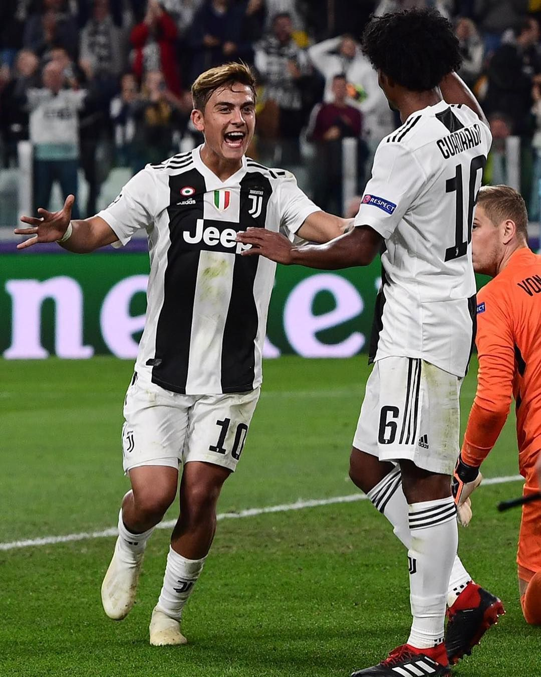15.November 2018  Juventus  Dybala  Cuadrado INSTAGRAM.COM  014f7e9a8c52