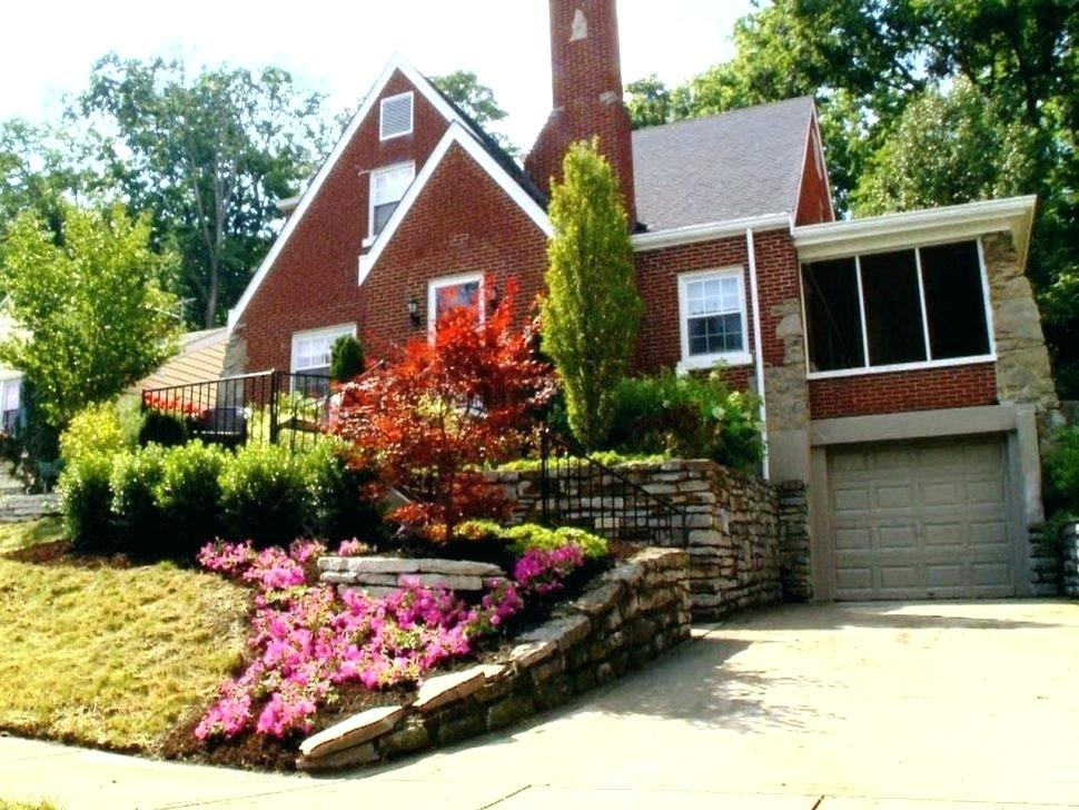 Landscaping Ideas For Front Of House On A Hill Front Yard Hill Landscaping Ideas Ideas For Slo Front Yard Landscaping Design Yard Landscaping Sloped Front Yard