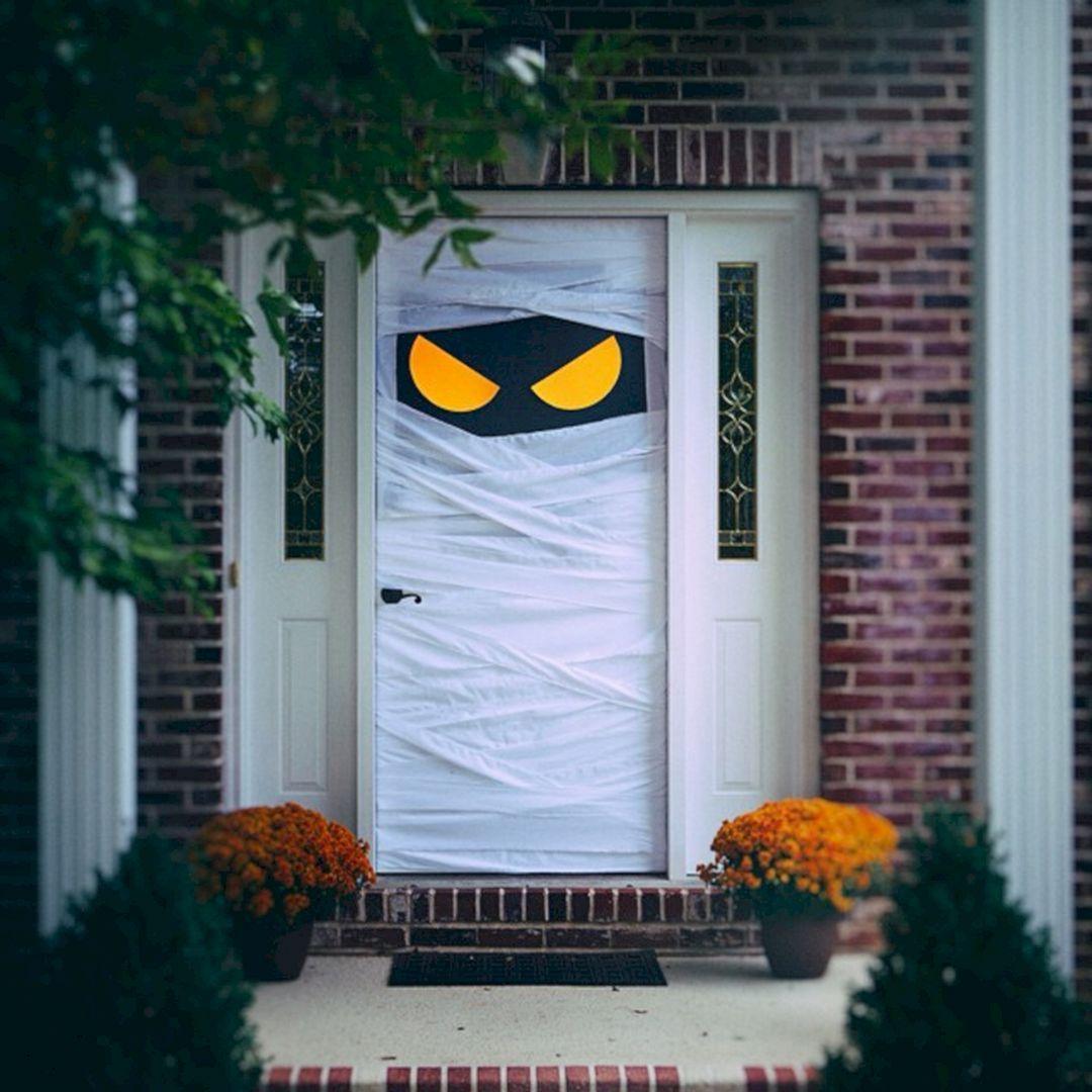 15 Best DIY Door Decorating Ideas for the Best Display of Your Home #halloweendoordecorations