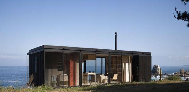 Petite maison en bois contemporaine bordant locéan au chili construire tendance