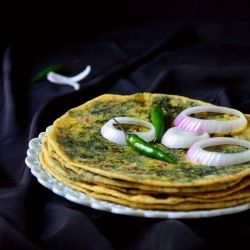 A simple and healthy meal - Broccoli Rabe/Rapini Stuffed Parathas served with Raita!