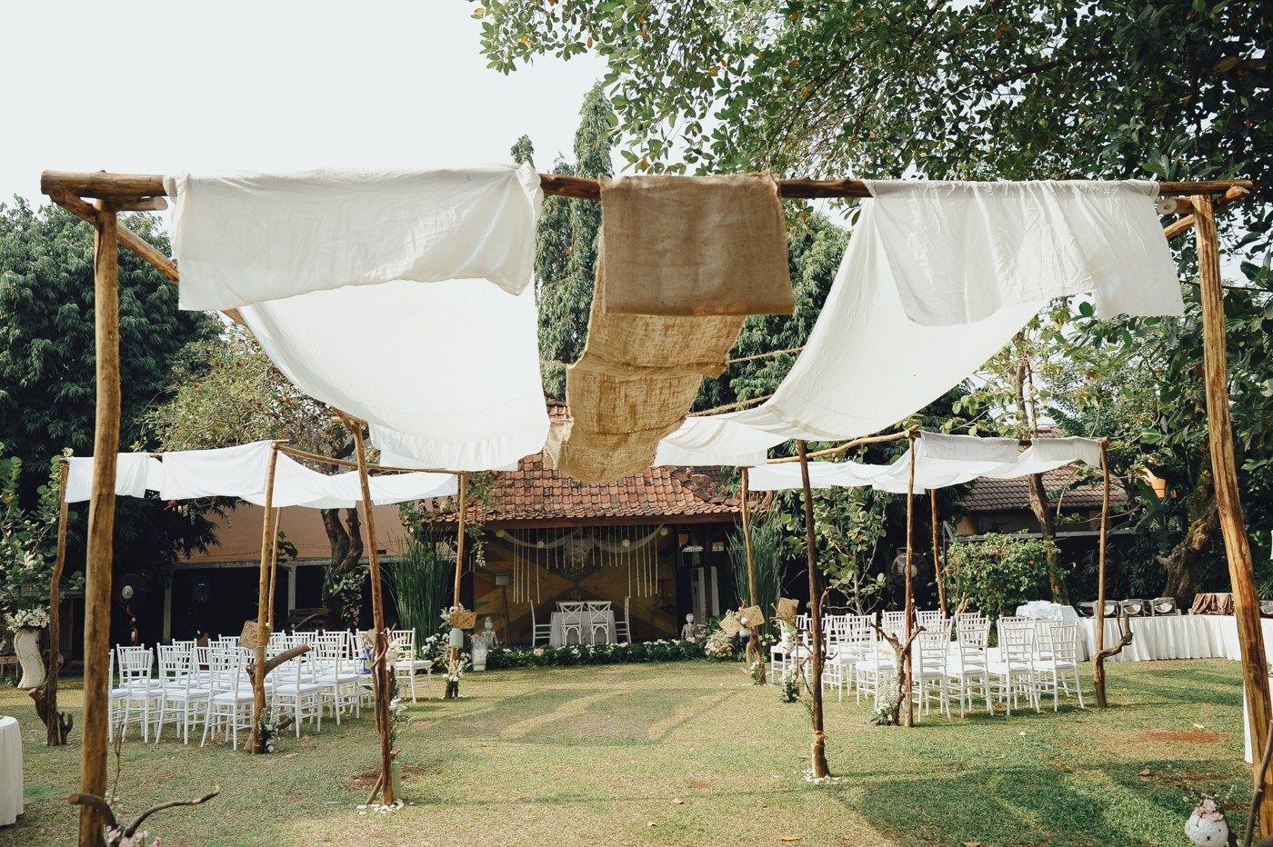 Casual Summer Wedding at Rumah Saya Tema pernikahan