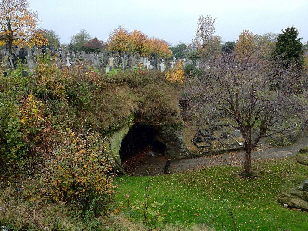 Church Rock Cemetery, Nottingham | Nottingham caves, Church rock, Old  cemeteries
