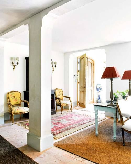 Entrance Area Country Style Living Room By Zero9 Country: Sophisticated Rustic In Spain. Design By Heloísa Málaga.