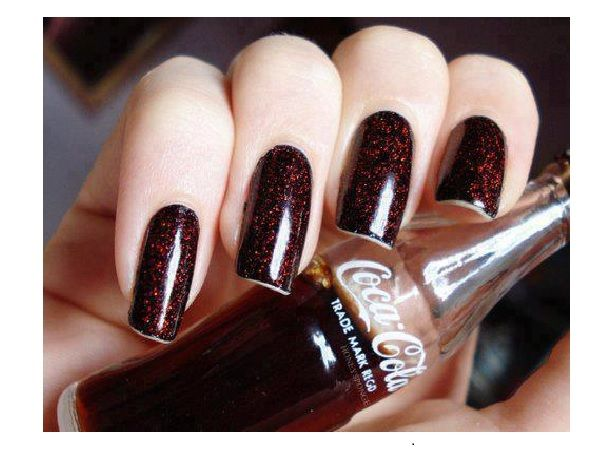 Glitter Coke Brown Nail Design - 11 Pretty Coca Cola Nail Designs Coca Cola, Cola And Brown Nail
