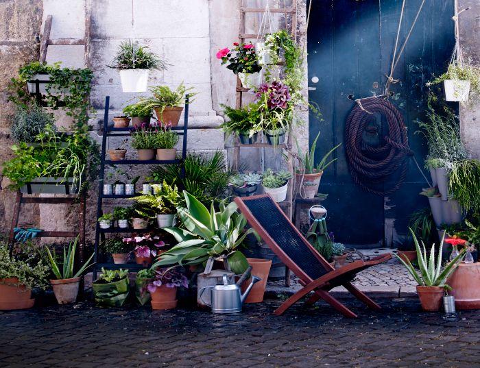 cache pots dans des tailles et des mat riaux diff rents. Black Bedroom Furniture Sets. Home Design Ideas