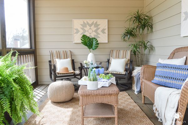 Before And After Screened In Porch Makeover With Tuesday Morning From Mismatched Furniture To A Cozy Coordinated Outdoor Living Deck Tuesdaymorning