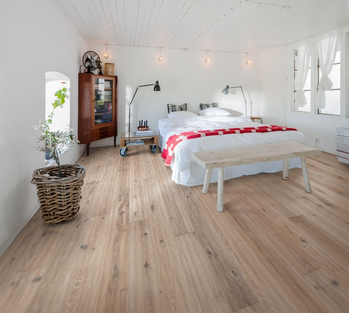 Oak Vista Småland Collection Wood bedroom, Engineered