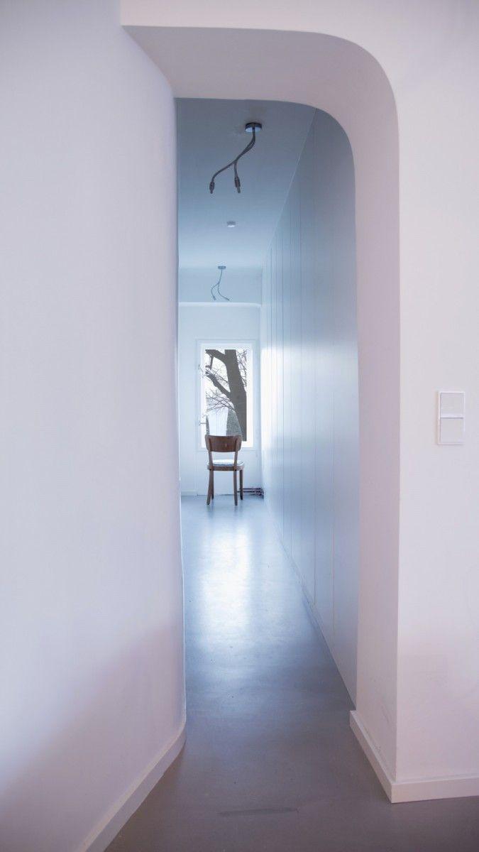 Berlin Tempelhof Altbau Wohnung Mit Badewanne Im Wohnzimmer / Architekt  Alexander John Huston