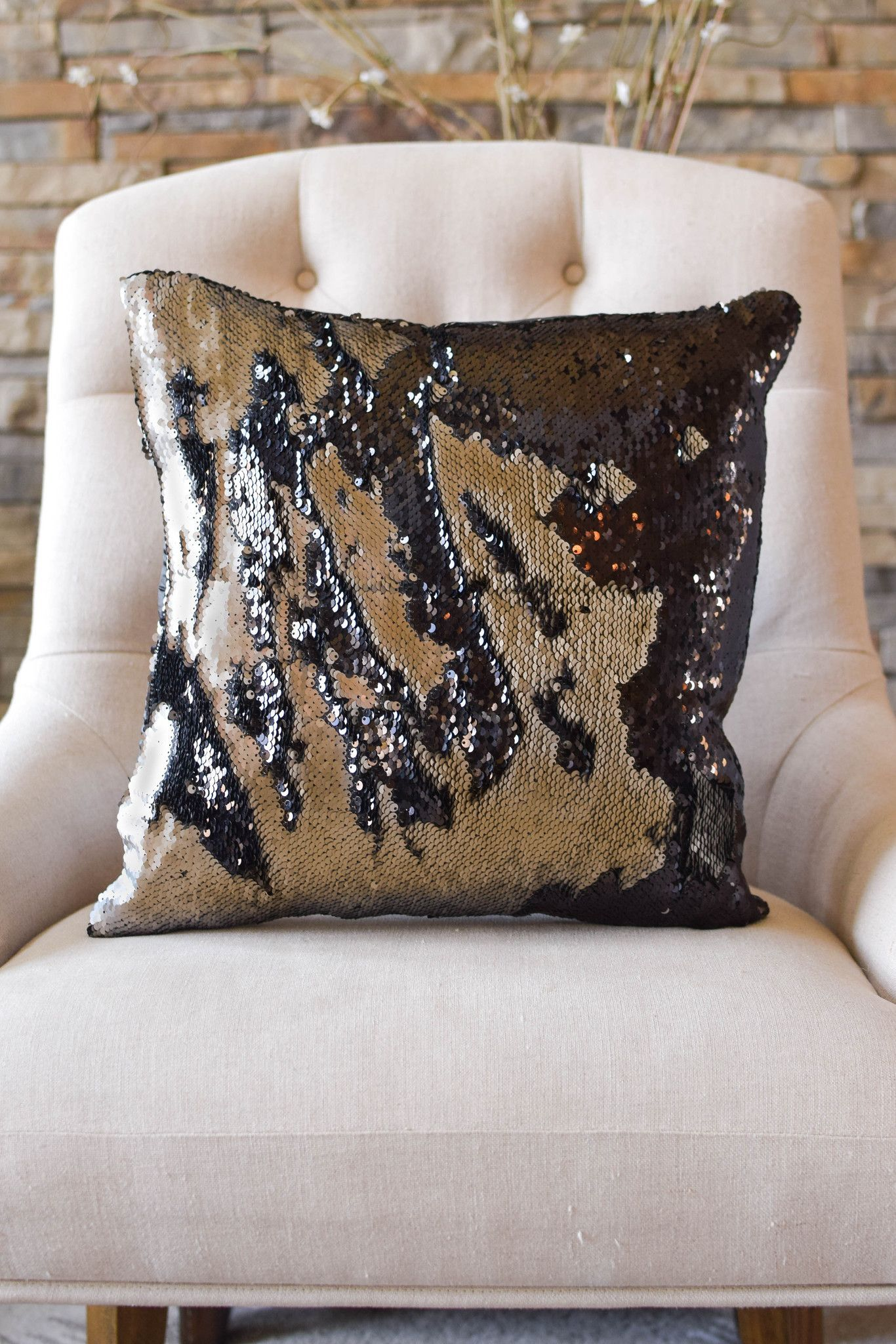 One of our most popular pillows! A very stylish pillow, the Black ...