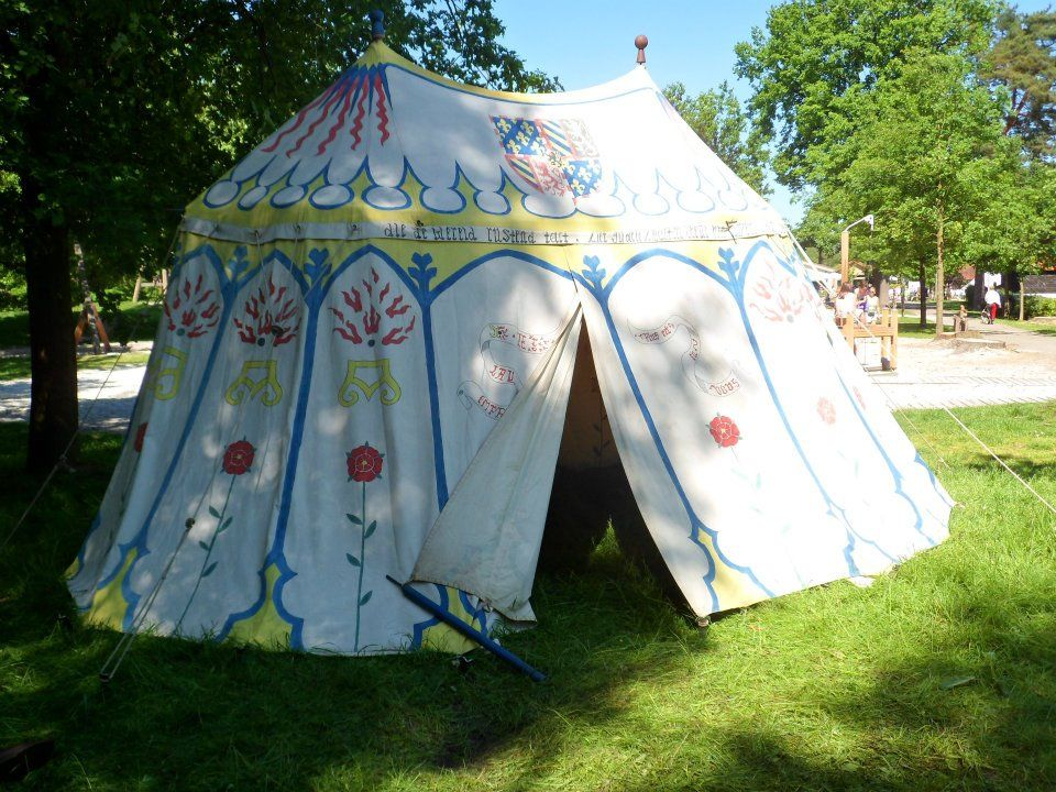 Painted tent - Foxkes old tent & Painted tent - Foxkes old tent | SCA Tents and Encampments ...
