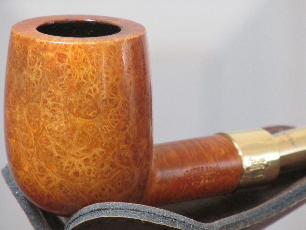 PETERSON SOLID GOLD SPIGOT PIPE COVERED IN BIRDSEYE THAT IS IN MINT CONDITION