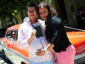 Da a luz primer hombre embarazado en Argentina - Cachicha.com