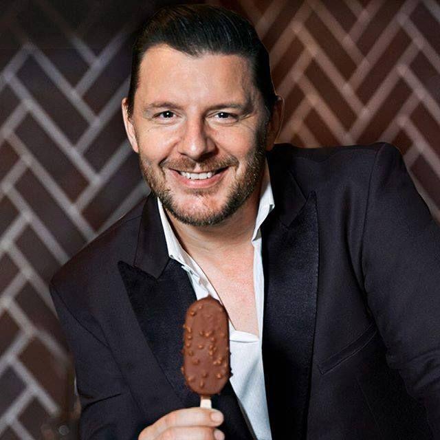 Manus Magnum Chocolate Toffee | Hot chef, Magnum