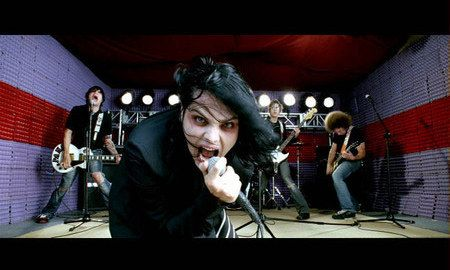 How Well Do You Remember These '00s Pop Punk Music Videos