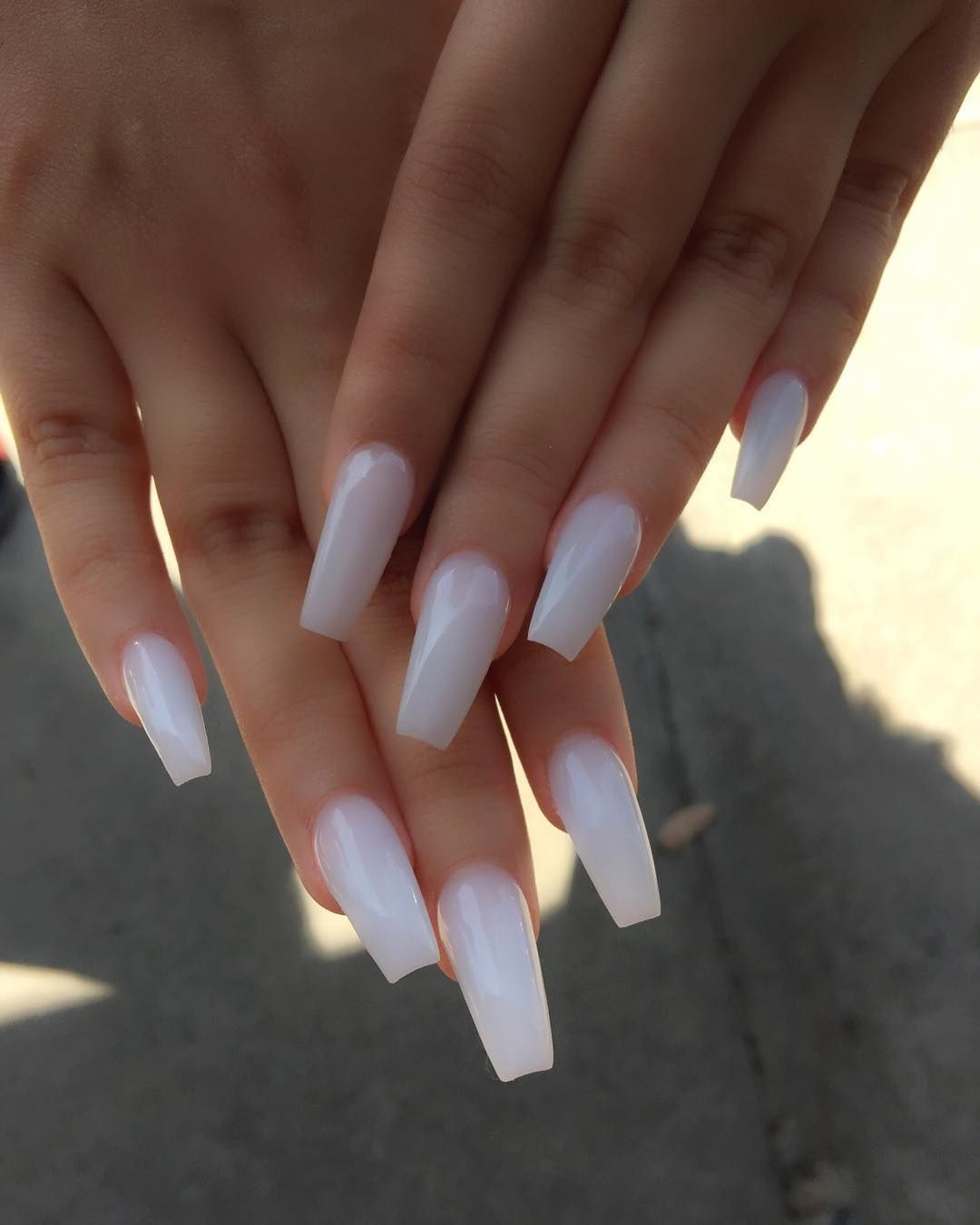 Simply Beauty White Acrylic Nails Cute Acrylic Nails Pretty Acrylic Nails