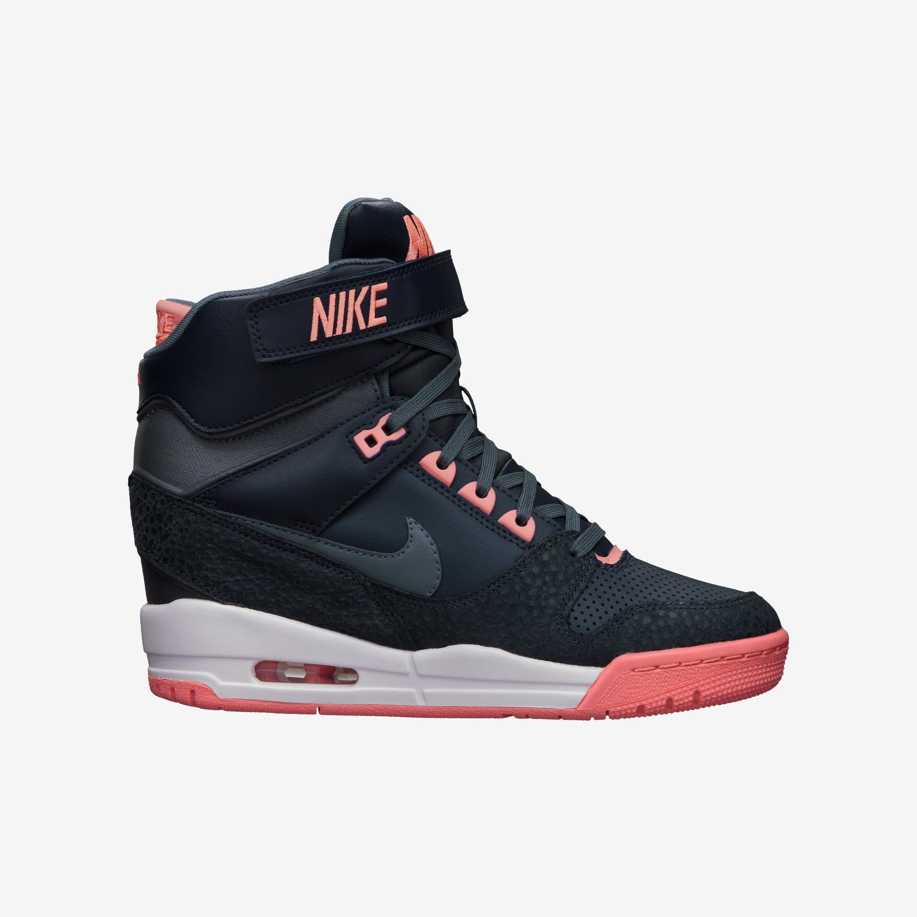 Nike Air Revolution Sky