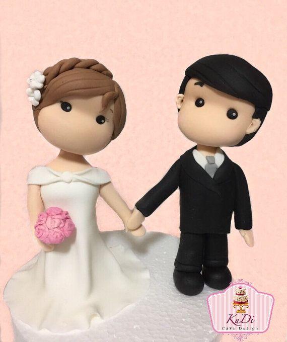 Personalized Wedding Cake Topper Newlyweds Fondant Cake Etsy Hochzeitstorte Topper Brautpaar Figuren Hochzeitstorte Basteln