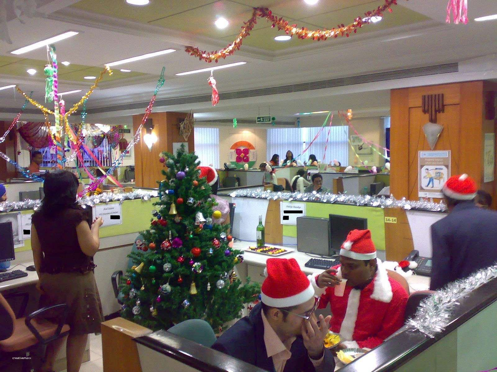 Elegant Corporate Christmas Party Themes Cubicle