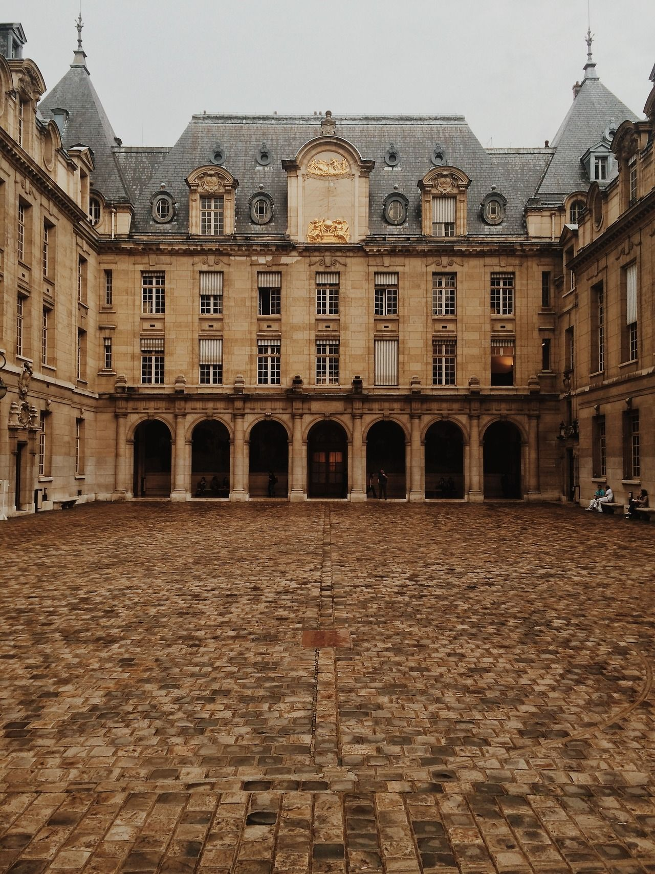 the inside courtyard of the universite paris sorbonne paris paris in 2019 paris paris. Black Bedroom Furniture Sets. Home Design Ideas